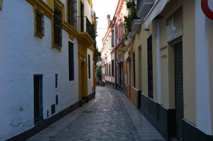 cosa vedere in andalusia in una settimana barrio santa cruz siviglia