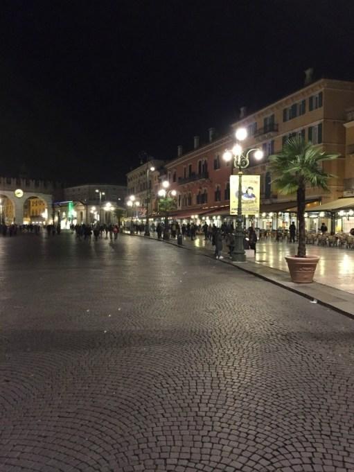 Itinerario un giorno Verona piazza bra
