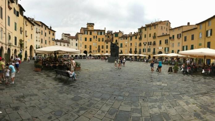 itinerario un giorno lucca piazza anfiteatro