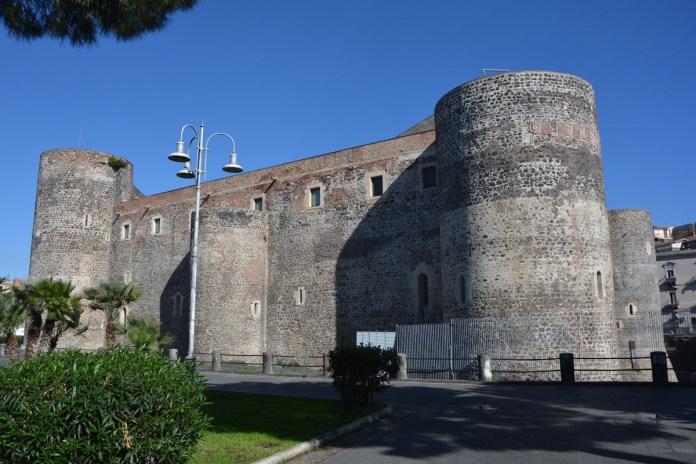 visitare catania in un giorno castello ursino