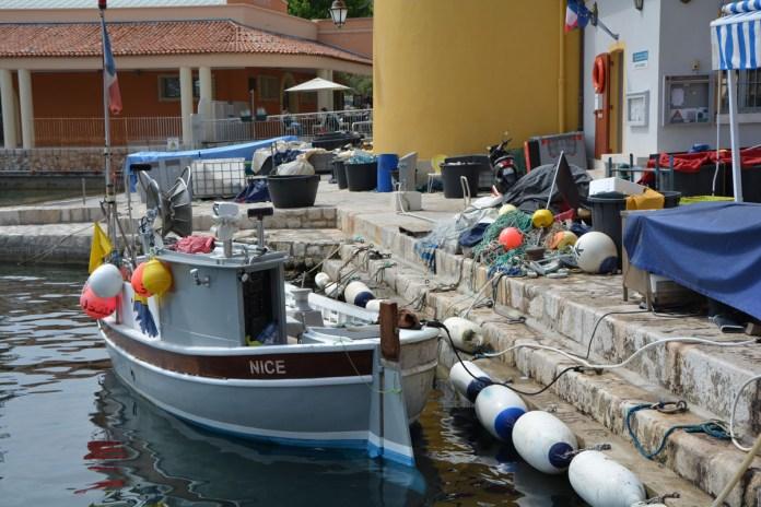 villefranche-sur-mer barca pesca