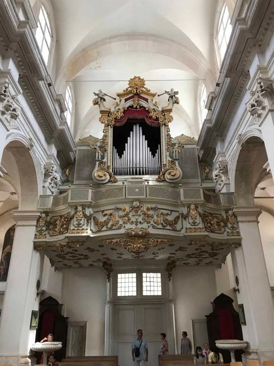 cosa fare e vedere a dubrovnik in un giorno cattedrale organo