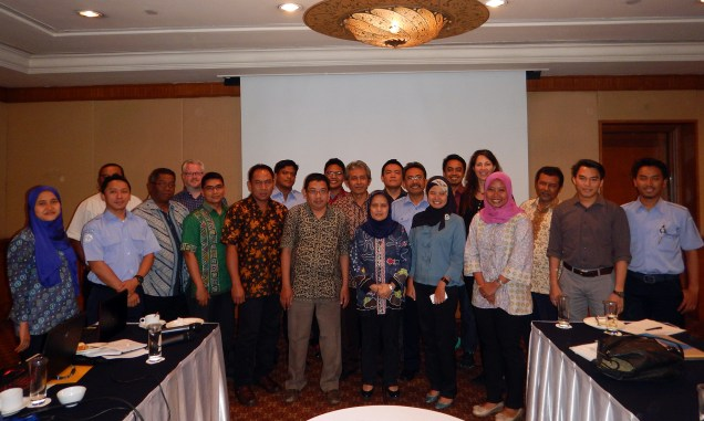 EAFM National Working Group, Ministry of Marine Affairs and Fisheries, Indonesia Marine and Climate Support Project, USAID, NOAA, and partners work together on fisheries management governance structure.