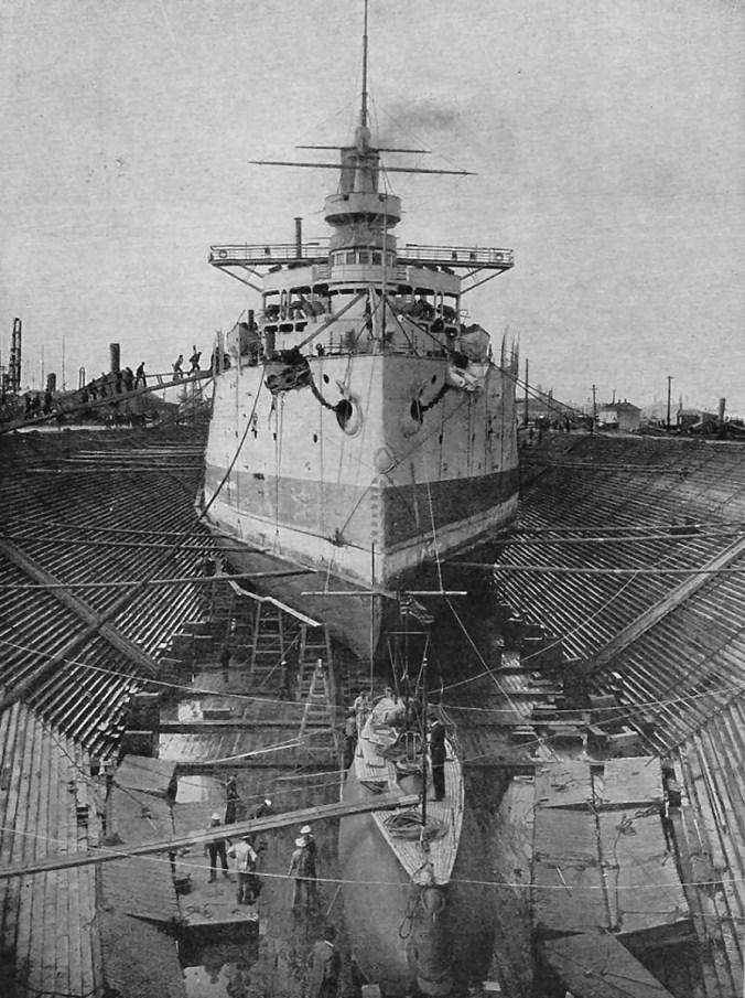 image of US shipbuilding yard, circa 1900