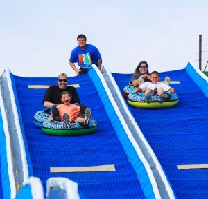 Pigeon Forge Tubing, Pigeon Forge attractions, Outdoor Tubing in Pigeon Forge, Tube Riding in Pigeon Forge, Smoky Mountain Tubing, Smoky Mountain Summer Attractions, Smoky Mountain Things To Do, Pigeon Forge Things to Do