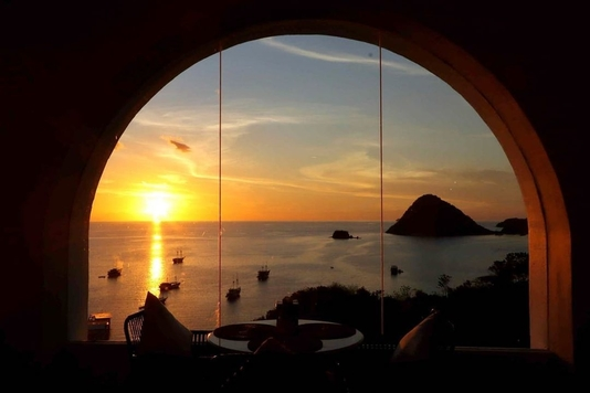 Sunset di Loccal Collection Hotel