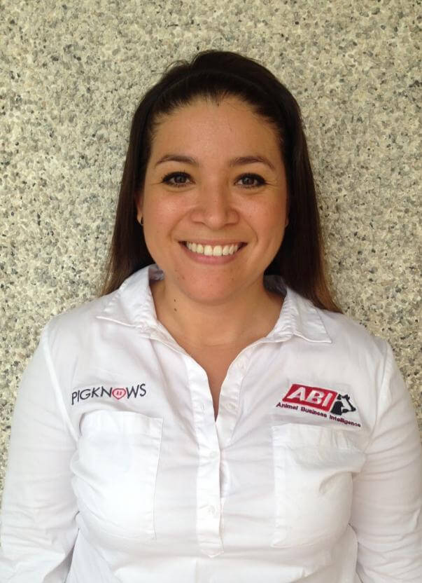 Fernanda Chávez - Training - PigKnows - Swine Production Software