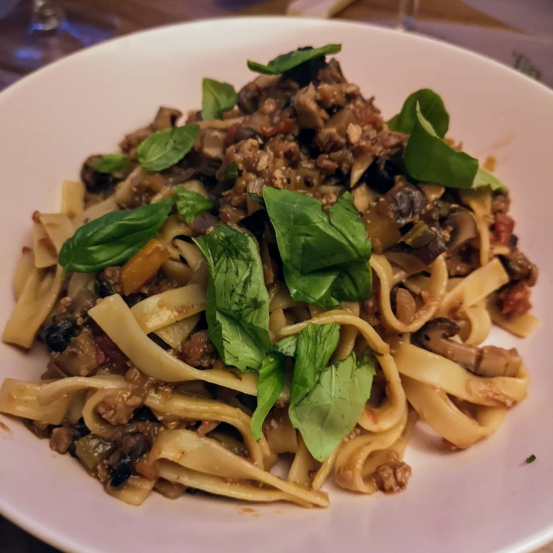 Planet-friendly bolognese | Gizzi Erskine (Slow)