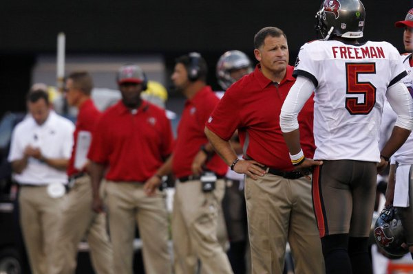 Buccaneers coach Greg Schiano with (former) quarterback Josh Freeman (Photo: Zelevansky/Getty)