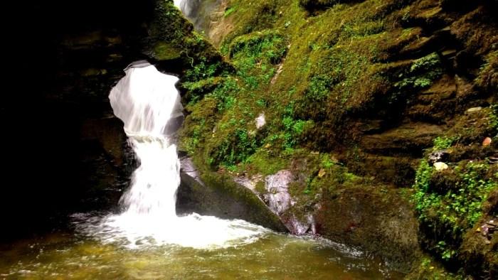 Vodopád St Nectan´s Glen