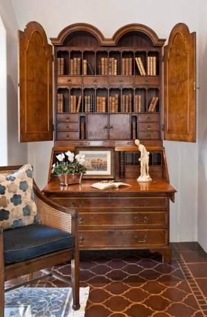 Antique Furniture Style