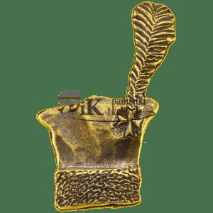 Przypinka czapka krakuska z piórem