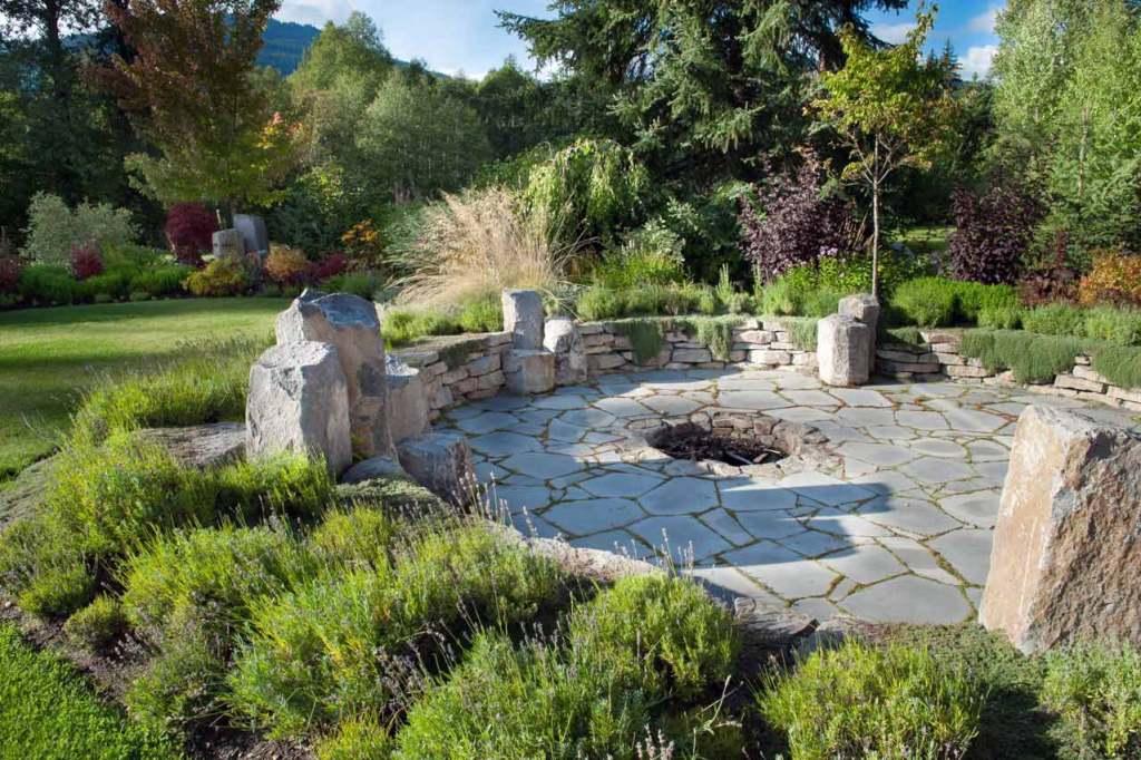 Backyard stone firepit
