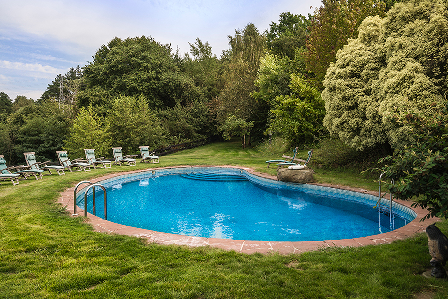 Caserio-Pikamendi-swimming-pool-01