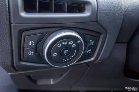 Ford Focus valosäädin