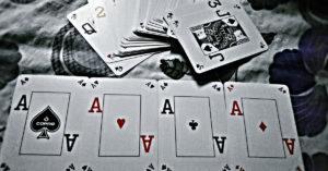 Gra w karty to świetny pomysł na wieczór