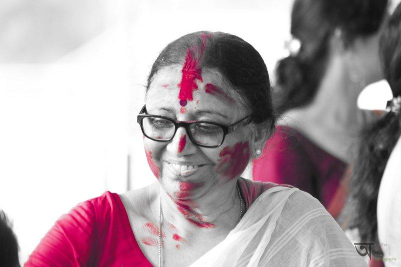 Sindoor Khela at Kolkata Durga Puja 2014 4 Red
