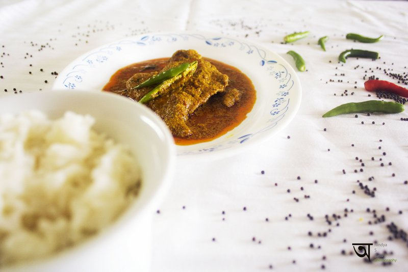Hot and spicy Pomphret fish curry 1