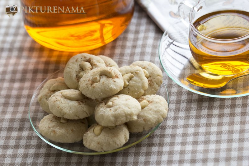 Nan Khatai the original Indian cookie with Dutch origin with a cup of tea