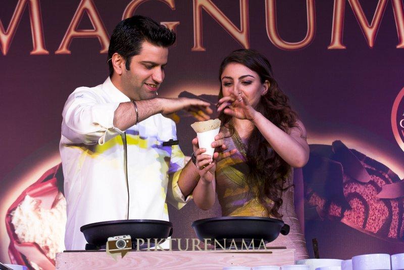 Magnum Ice Cream Launch at Kolkata Soha Ali Khan and Chef Kunal Kapoor checking final Pathi Shapta