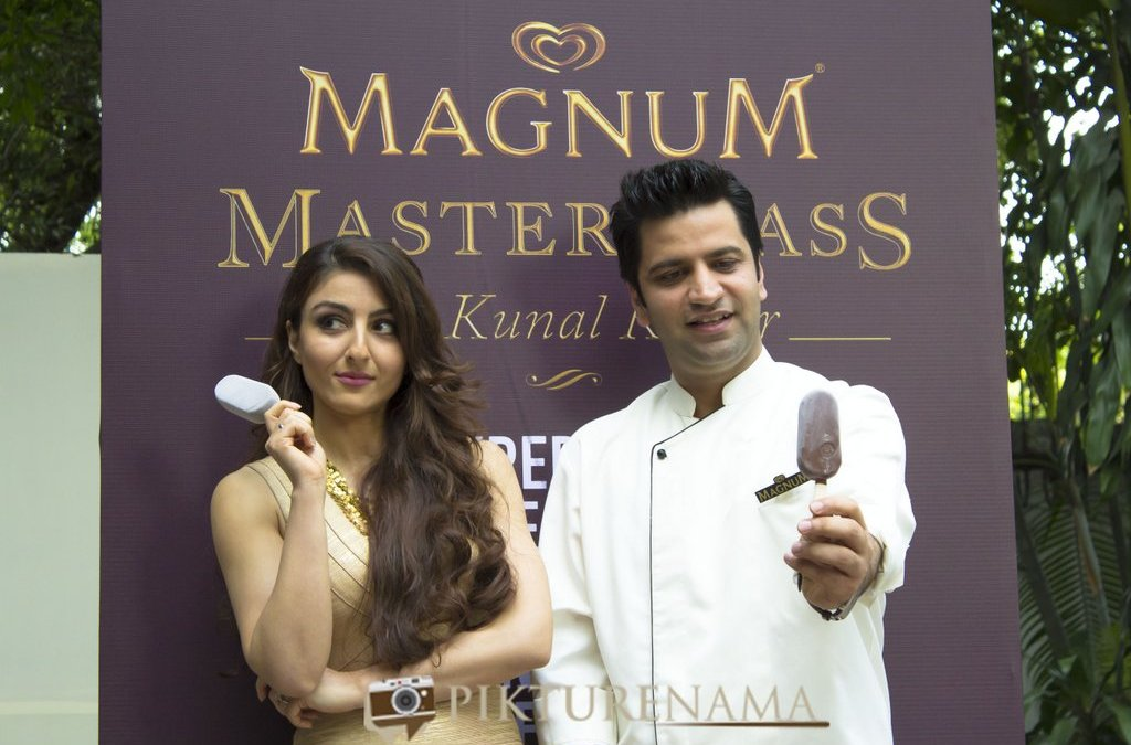 Sinful evening with Soha and Kunal at Kolkata – Magnum Ice cream launch