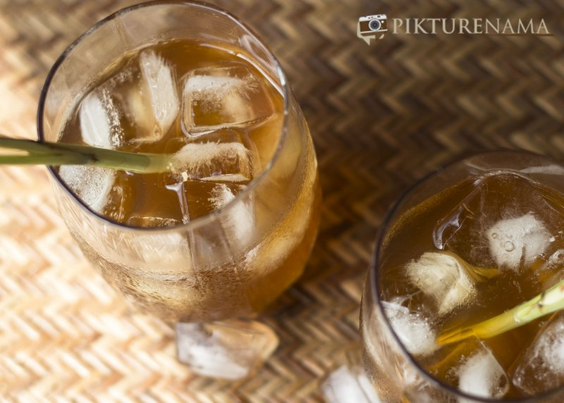 Ingredients of Iced tea with lemongrass and ginger by pikturenama serve chilled