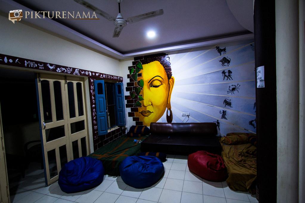 Varanasi Zostel by pikturenama hangout area with