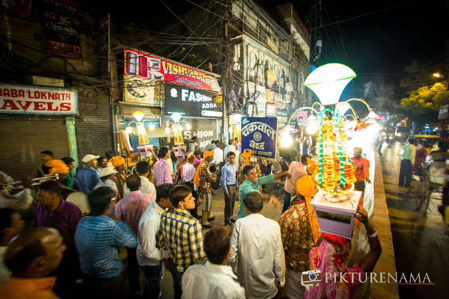 Varanasi Wedding by Pikturenama