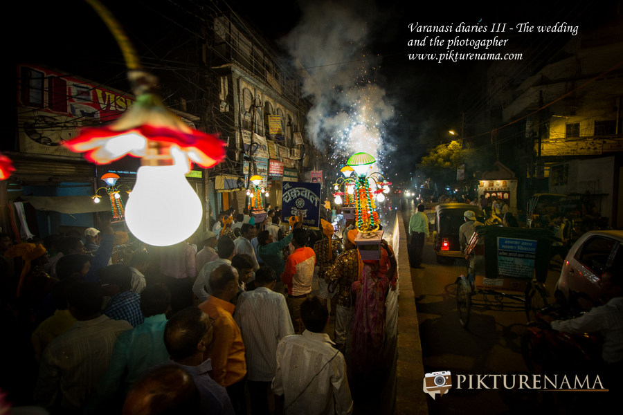 The street wedding at Varanasi Wedding by Pikturenama