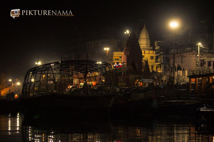 Varanasi ghats by nights by pikturenama - 2