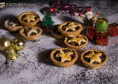 Mince Pie with Borosil OTG mince pies and jingle bells