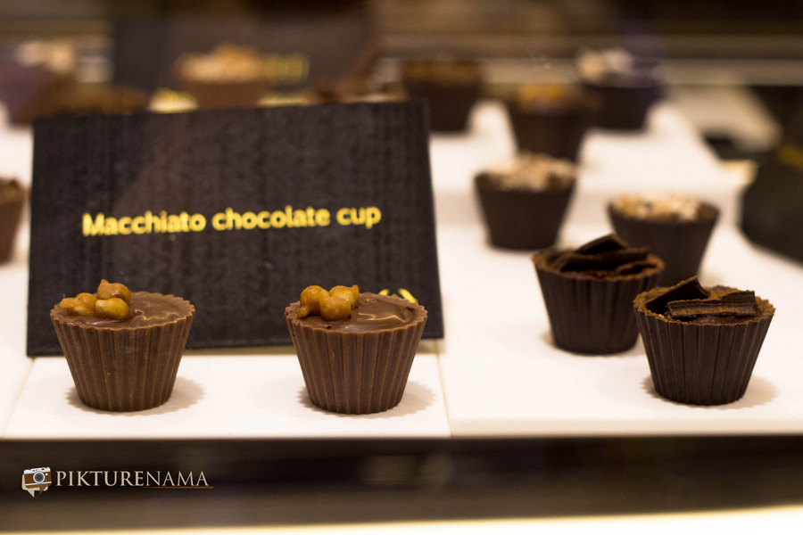 chocolate cups by Fabelle by ITC