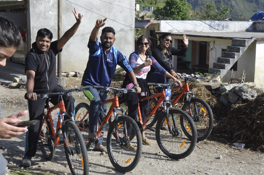 Bloggers bus to Uttarakhand 2