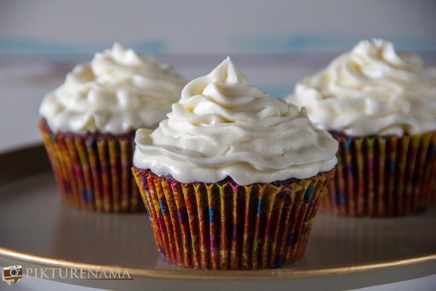 Red Velvet Cupcakes - 4
