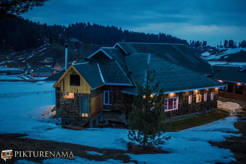 Nedous Hotel Gulmarg Kashmir evening 4
