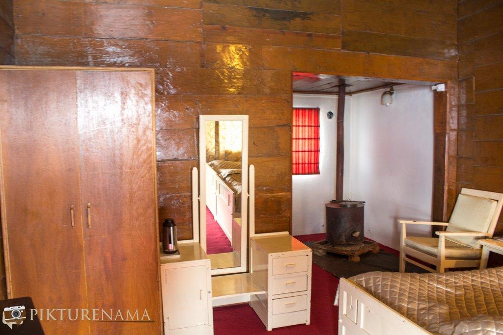 Nedous Hotel Gulmarg Kashmir room 2