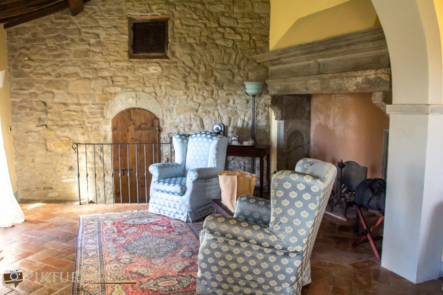 Il Falconaire Tuscany Italy living area