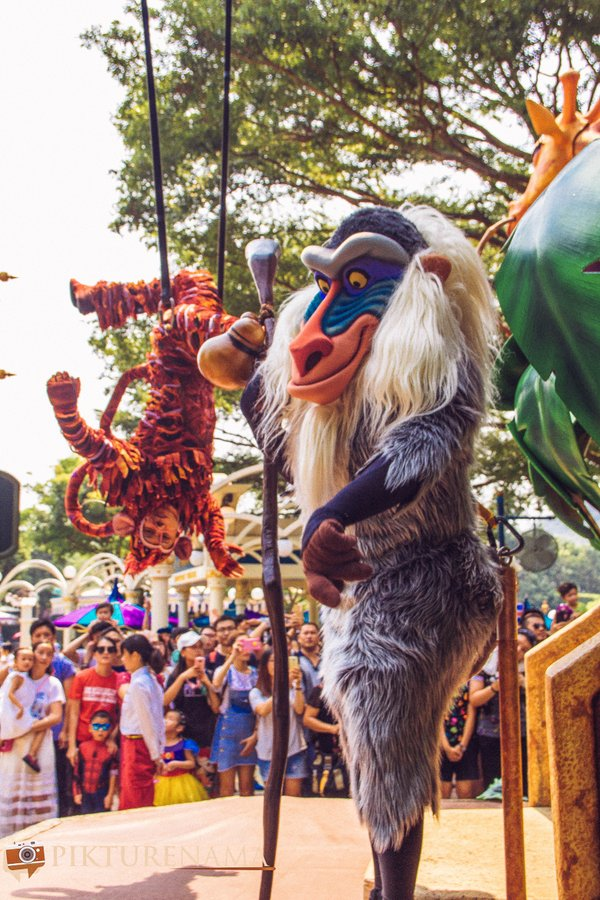 Flights of Fantasy in Hong Kong DIsneyland Rafiki