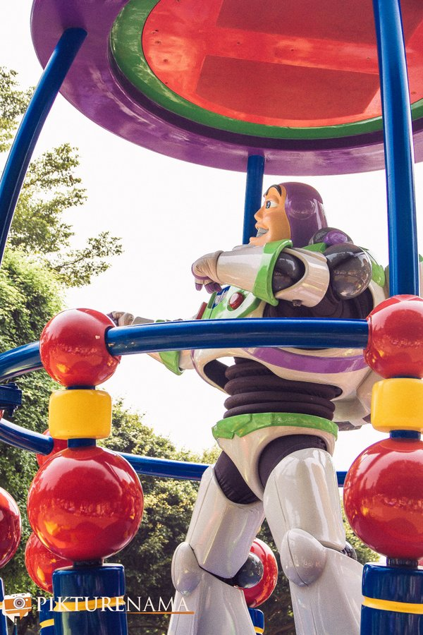 Flights of Fantasy in Hong Kong DIsneyland Buzz Lightyear