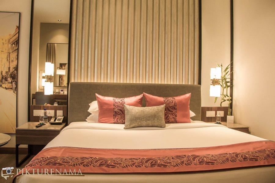 Vivanta Kolkata EM Bypass premium room 2
