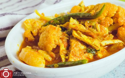 Fulkopi diye Dimer Jhol | Omelette Curry with Cauliflower