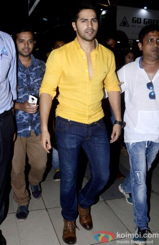 spotted-vidya-balan-varun-dhawan-shraddha-kapoor-at-mumbai-airport-3