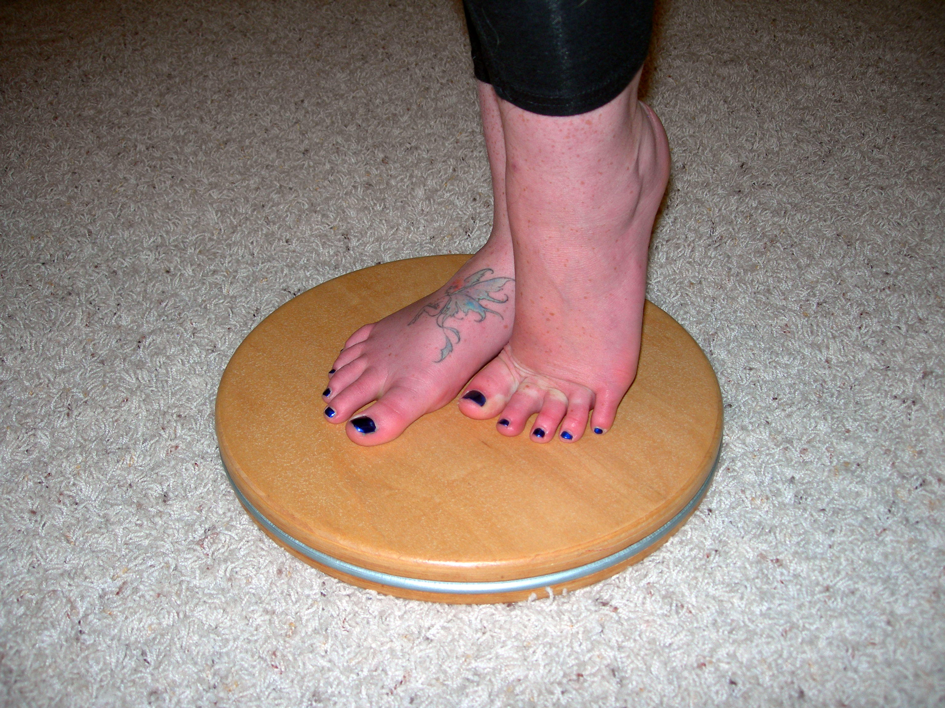 forced arch foot placement