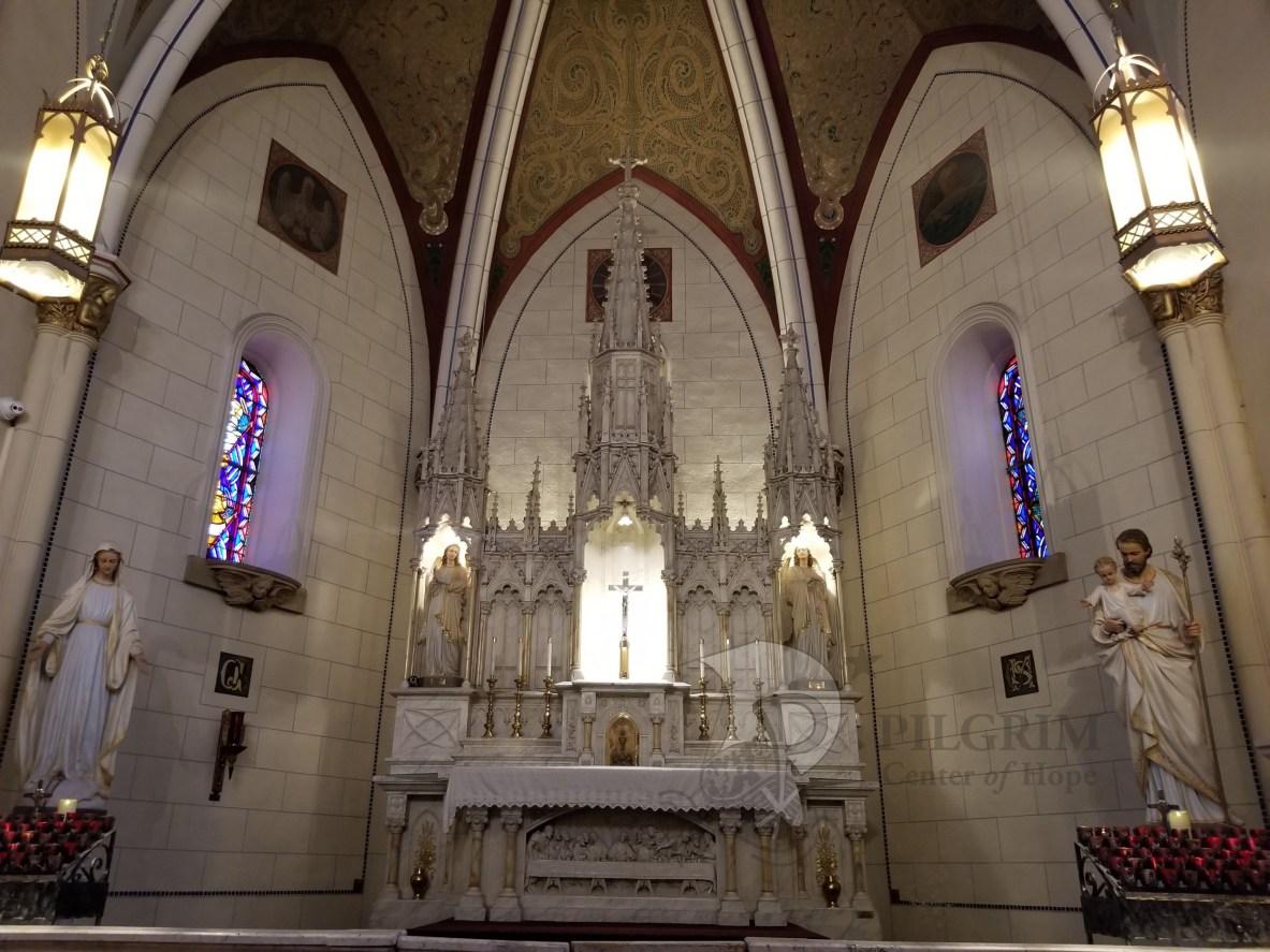 Loretto Chapel - Altar