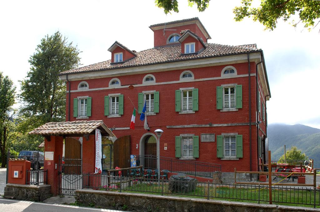 Ostello before Cisa Pass