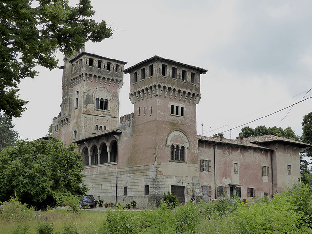 Near Fidenza, a farmhouse built to impress