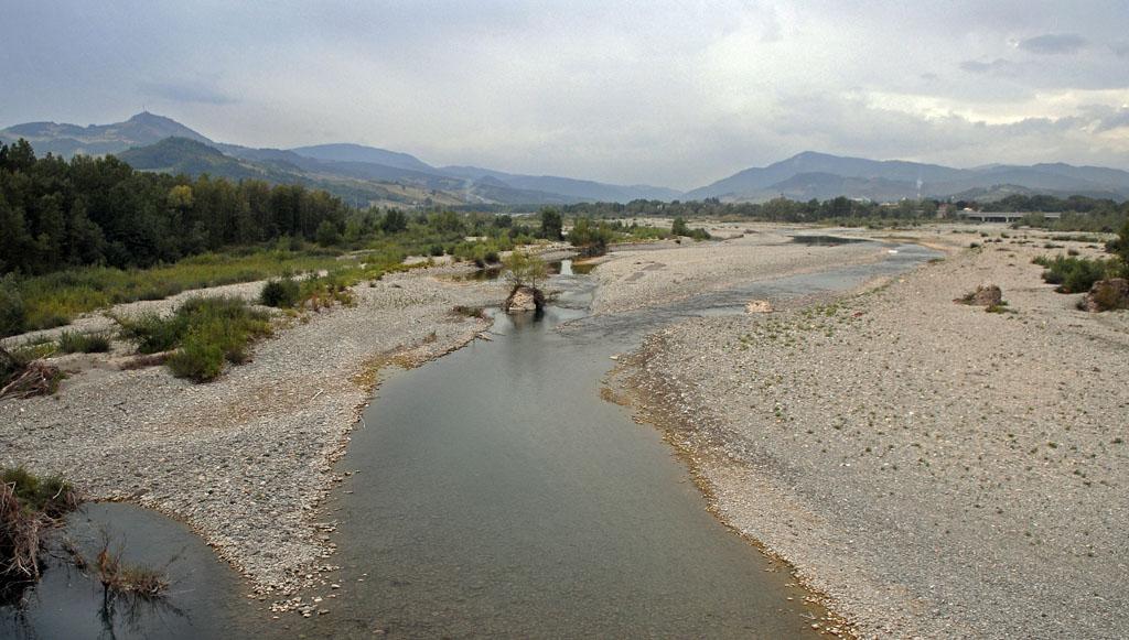 Taro Valley from Bridge entering Fornovo