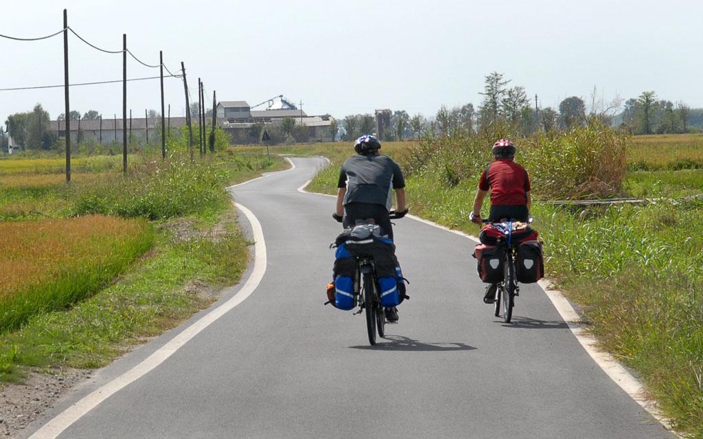 Pilgrim Cyclists before Vercelli