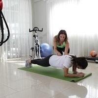 Pili-Entrenando-Plank-250