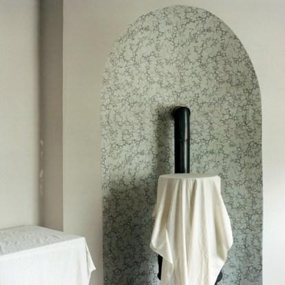 "SARAH STRASSMANN: untitled, from the series ""Shifting"", 2016, Fine Art Print, mounted on Alu-dibond, 100 × 100 cm"